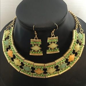Green Fashion Necklace Set